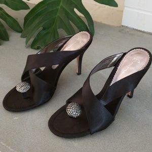 Bourne heels